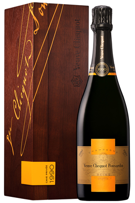 Veuve Clicquot Cave Privee 1990 75cl in Wood Box